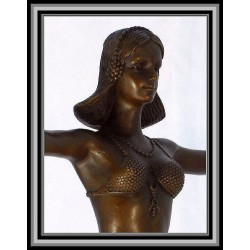 ART DECO LADY ARMS OUTSTRETCHED
