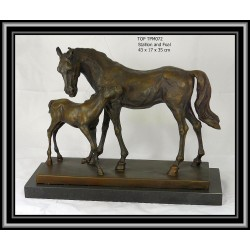 HORSE AND FOAL STATUE